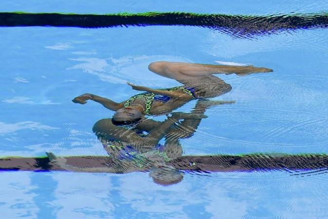 Budapest, 2017. július 17. A dél-koreai Ri Jung Li és Ji Van Um a 17. vizes világbajnokság szinkronúszásának páros szabadgyakorlat selejtezõjében a Városligetben 2017. július 18-án. MTI Fotó: Czeglédi Zsolt