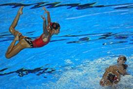Budapest, 2017. július 20. Az észak-koreai csapat a szinkronúszás kombinációs szabadgyakorlatának selejtezõjében a 17. vizes világbajnokságon a Városligetben 2017. július 20-án. MTI Fotó: Czeglédi Zsolt