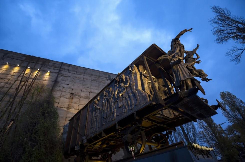 A Szovjetunióba elhurcoltak emléknapja - Kiállítás a Málen