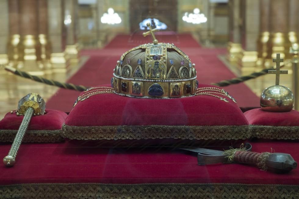 A Szent Korona 40 éve tért haza