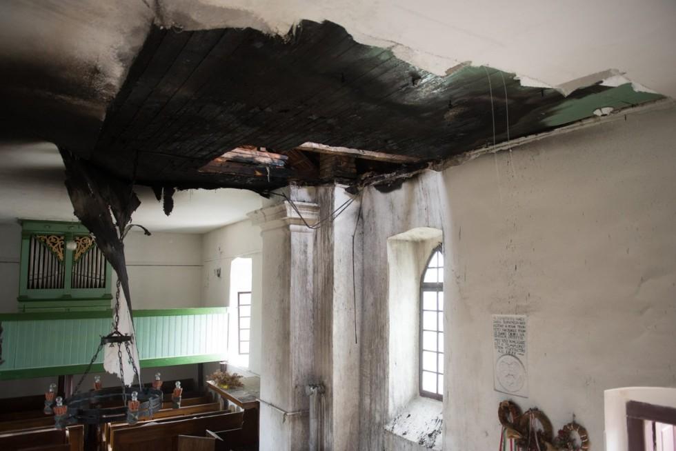 Tûz rongálta meg az erdélyi Válaszút református templomát