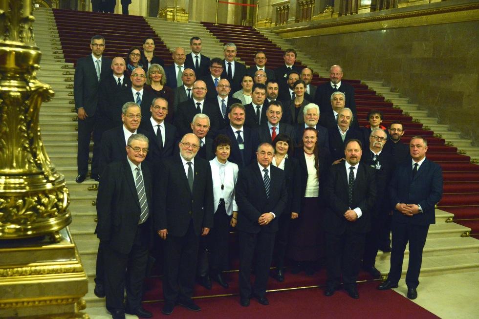 2018.02.20. Plenális, 1568.  tordai vallásügyi törvény jele