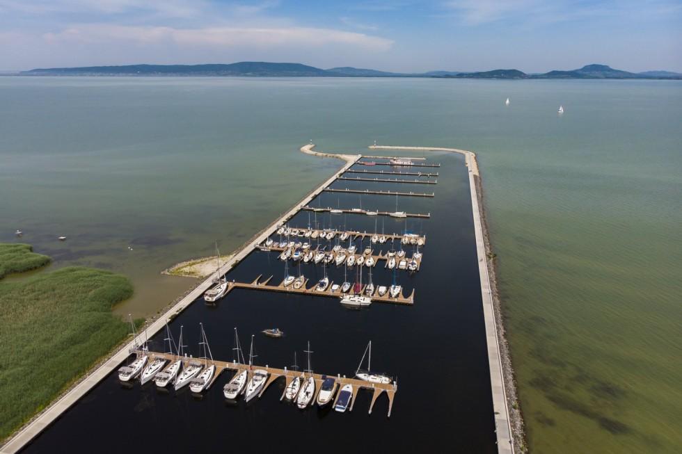 A balatonfenyvesi kikötő