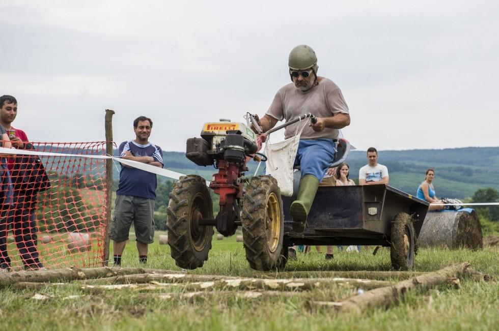 Rotációs kapák versenye Romhányban