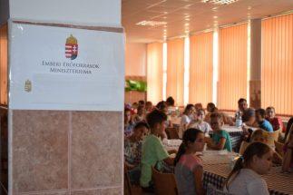 Táboroztak a gyermekek Nagykárolyban az egyházmegye református gyerekei (25)