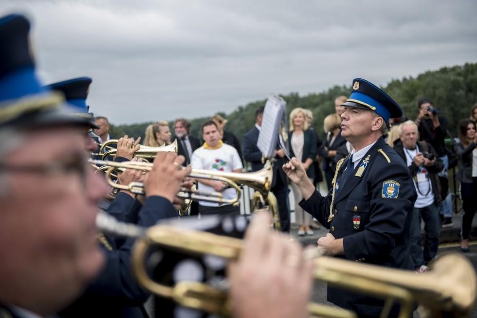 Koncert a hídon: a zene összeköt