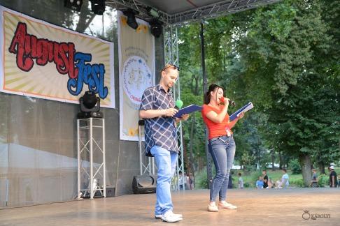 Magyar folklór a nagykárolyiak fesztiválján (13)