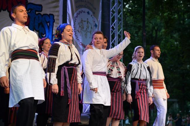 Magyar folklór a nagykárolyiak fesztiválján (17)