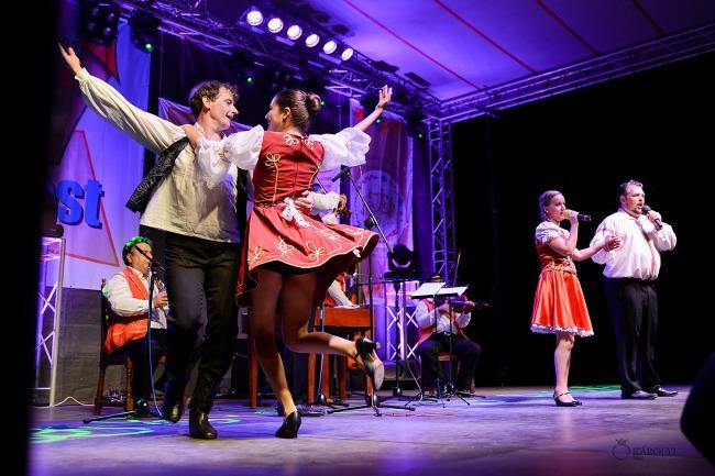 Magyar folklór a nagykárolyiak fesztiválján (37)