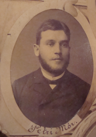 Fiatalkori portréja az 1889-es kollégiumi tablóról